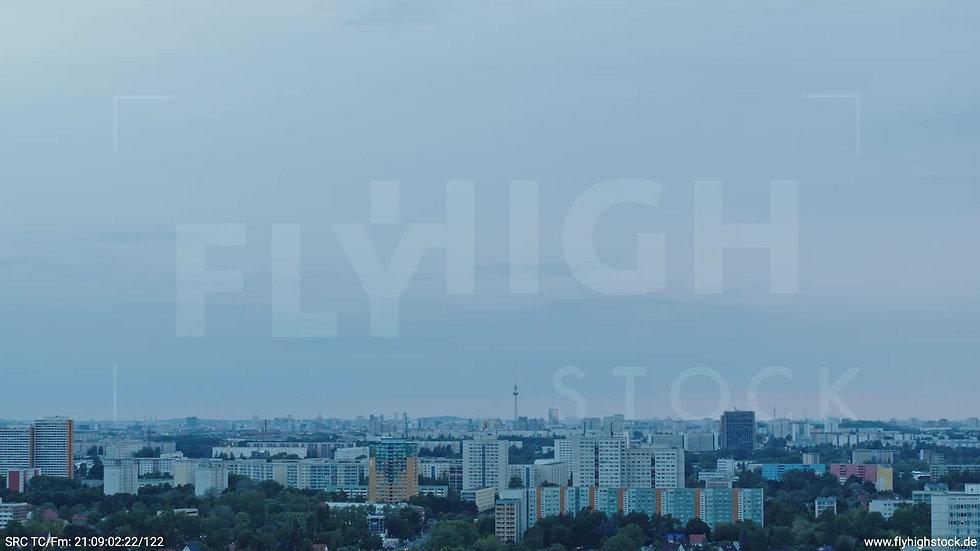 Berlin Marzahn Skyline Zuflug abends 2
