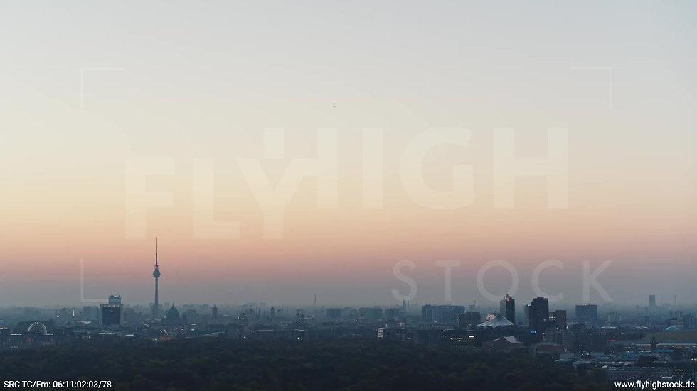 Berlin Tiergarten Skyline Rückflug morgens