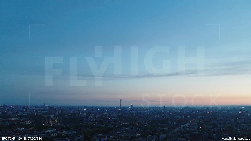 Berlin Hasenheide Skyline Rückflug morgens 2