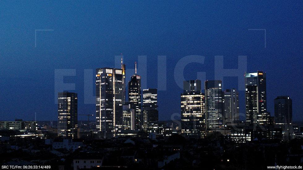 Frankfurt Grüneburgpark Hub Skyline morgens 4