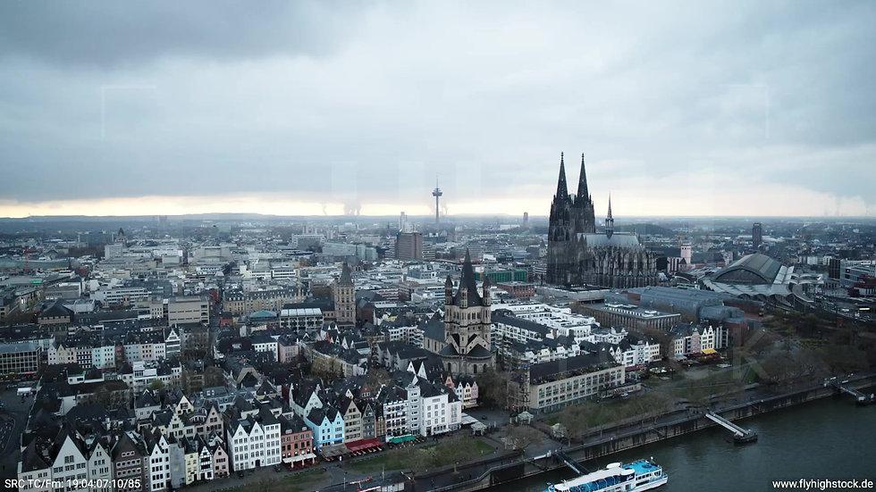 Köln Kennedy-Ufer Skyline Rückflug nach unten tagsüber 2