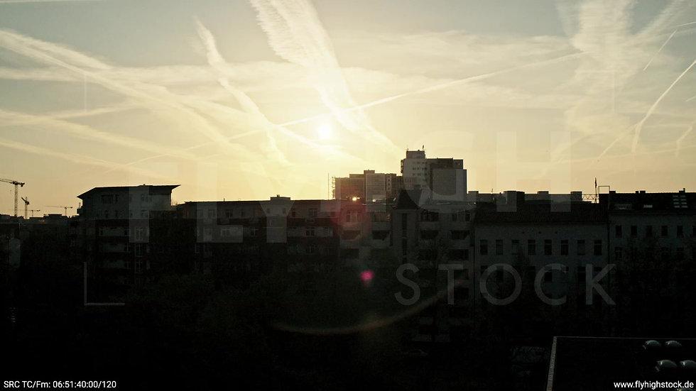 Berlin Hallesches Ufer Skyline Zuflug nach oben morgens