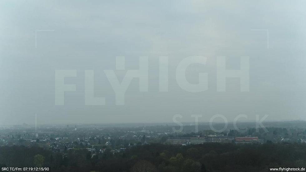 Köln Stadtwald Stadtteil-Shot Zuflug morgens