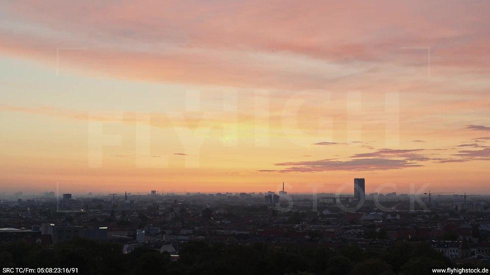 Berlin Hasenheide Allianz Skyline Zuflug morgens 2