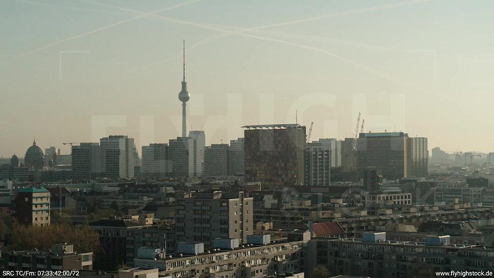 Berlin Hallesches Ufer Ost Skyline Zuflug morgens