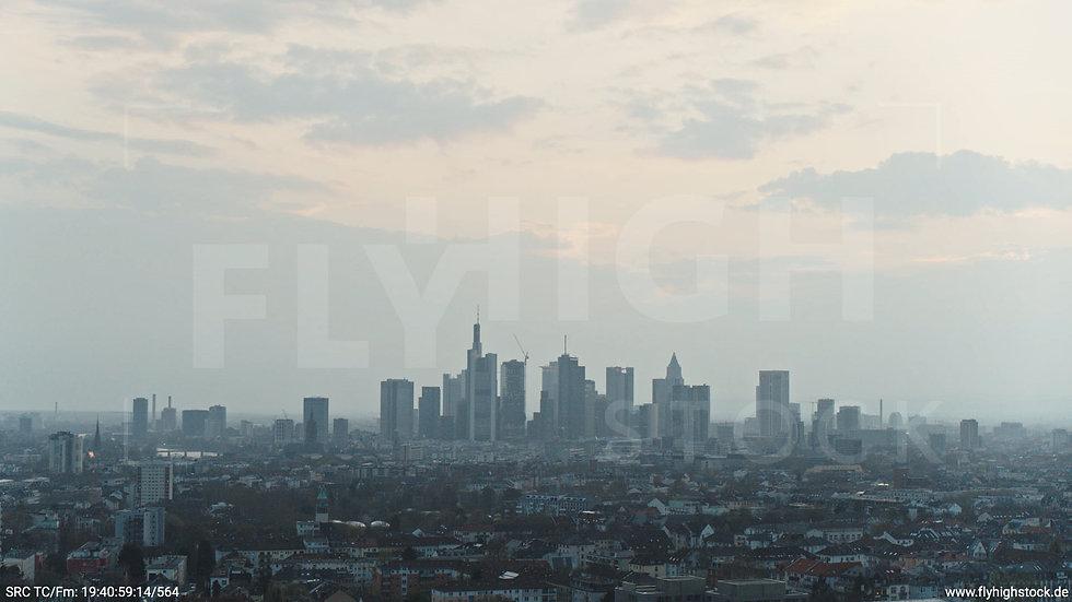 Frankfurt Ostpark Hub Skyline abends 4