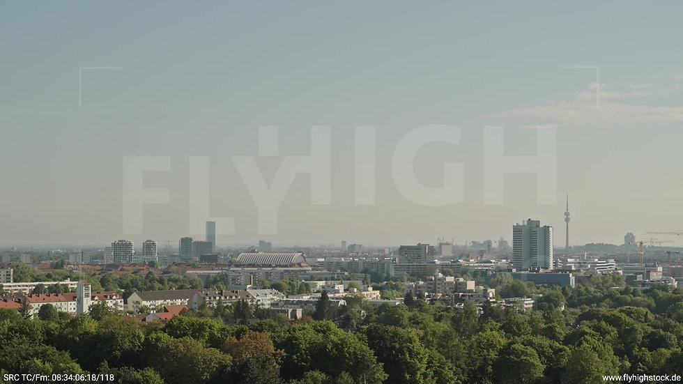 München Westpark West Hirschgarten Skyline Zuflug tagsüber