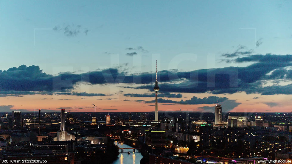 Berlin East Side Gallery Skyline Rückflug abends 6