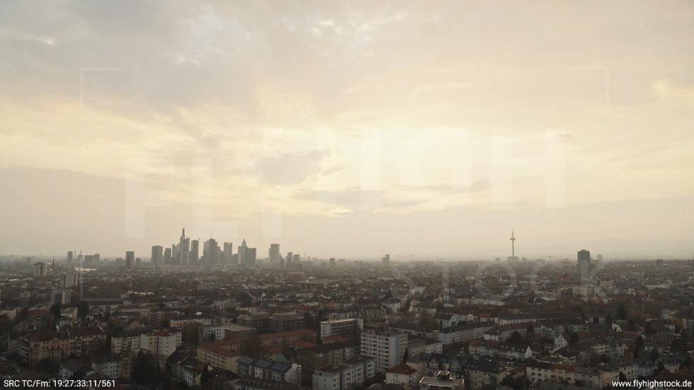 Frankfurt Ostpark Hub Skyline abends 2
