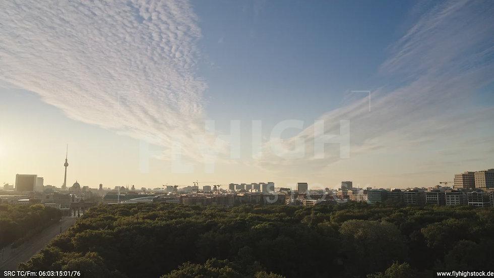Berlin Tiergarten Ost Skyline Zuflug morgens D030_C001