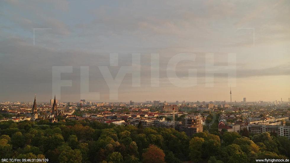 Berlin Hasenheide Skyline Rückflug morgens 5