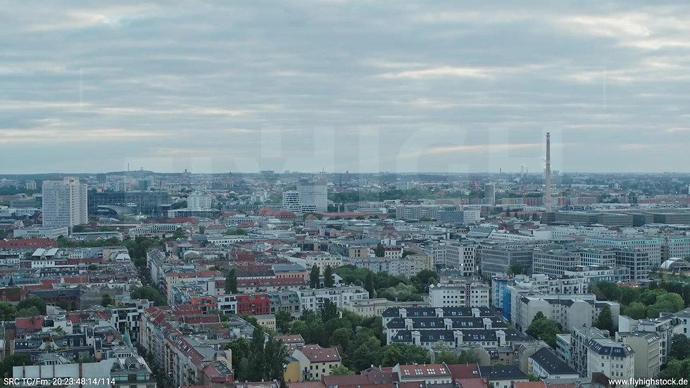 Berlin Volkspark am Weinberg West Skyline Rückflug abends