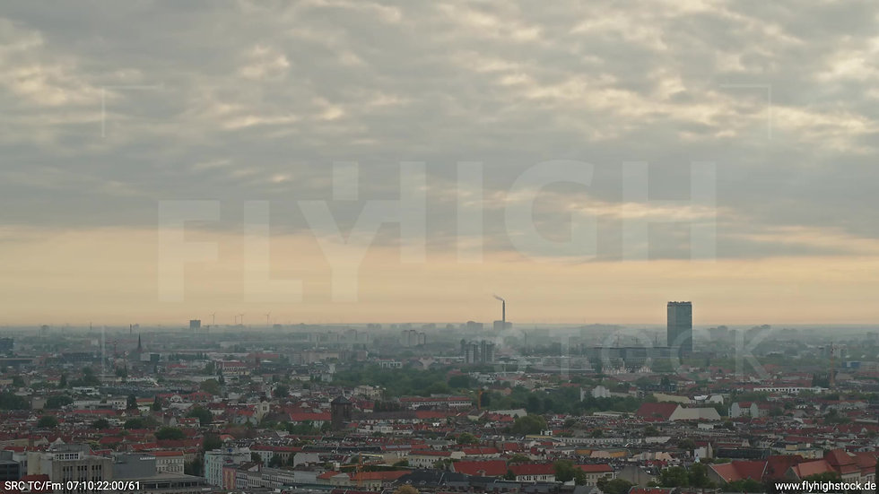 Berlin Hasenheide Allianz Skyline Zuflug morgens 6