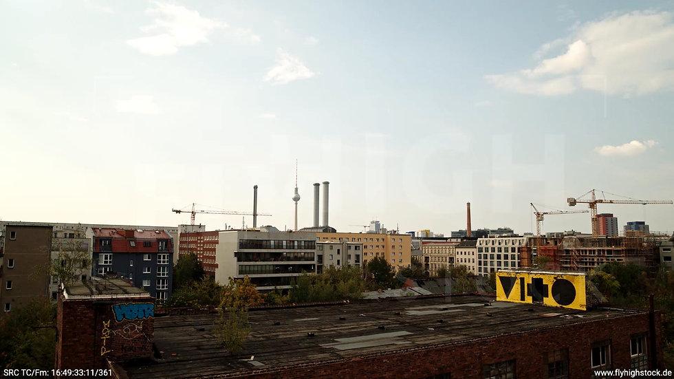 Berlin Köpenicker Str. Skyline kurzer Hub tagsüber D001_C032