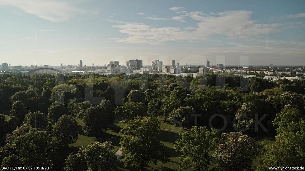 München Hirschgarten Skyline tiefer Zuflug morgens