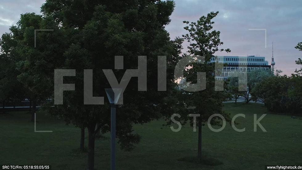 Berlin Spreebogenpark Ost Skyline Hub morgens D037_C012