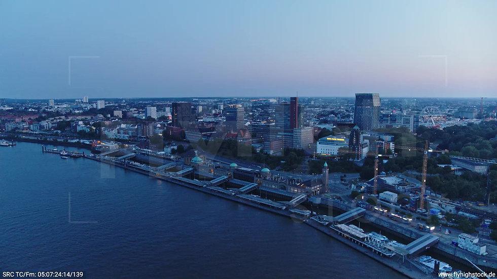 Hamburg Hafen Landungsbrücken Rückflug morgens