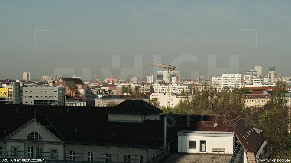Berlin Hallesches Ufer West Skyline Hub tagsüber