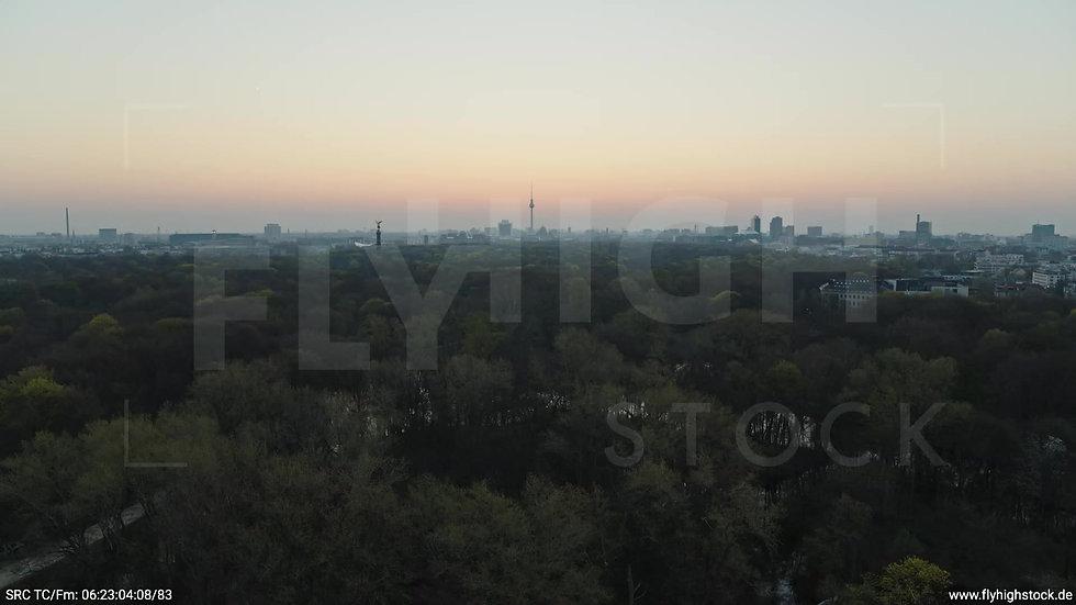 Berlin Tiergarten Skyline Zuflug morgens 4