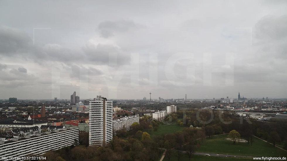 Köln Vorgebirgspark Skyline Zuflug tagsüber 2