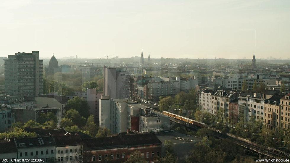 Berlin Hallesches Ufer Tempelhof Skyline Zuflug morgens 2