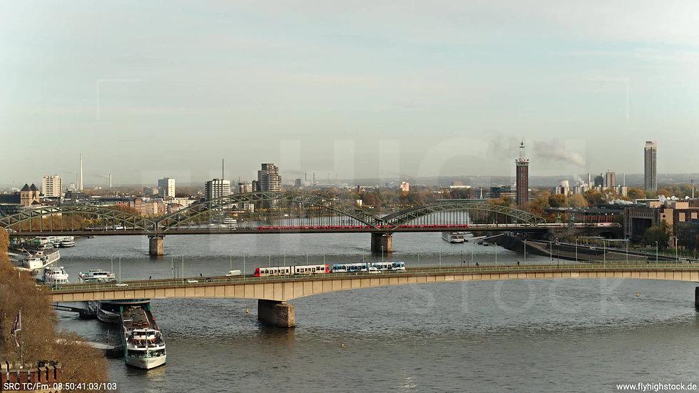 Köln Rheinauhafen Deutzer Brücke tiefer Rückflug morgens C027_C002