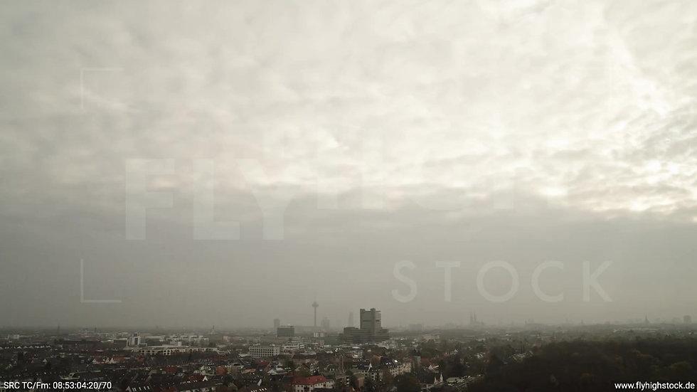 Köln Stadtwald Skyline Rückflug tagsüber