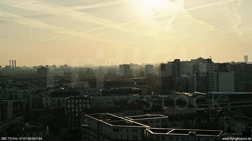 Berlin Hallesches Ufer Skyline Zuflug morgens 2