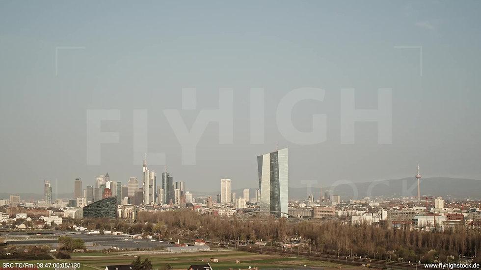 Frankfurt Oberrad Hub Skyline tagsüber 2