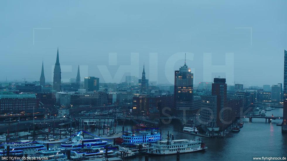 Hamburg Hafen Parallelflug Skyline morgens bewölkt Winter 2