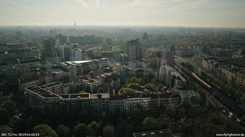 Berlin Hallesches Ufer Ost Skyline Zuflug tagsüber 3