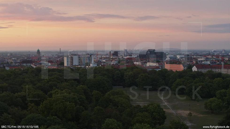 Berlin Hasenheide Neukölln Skyline Zuflug morgens 2