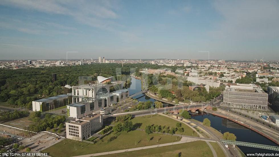 Berlin Spreebogenpark Kanzleramt Zuflug nach unten tagsüber D031_C010