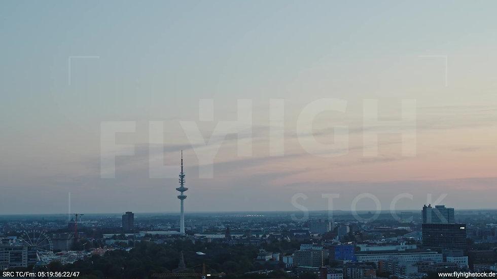 Hamburg Hafen Skyline Zuflug morgens 3