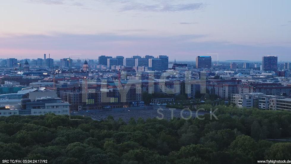 Berlin Tiergarten Jüdisches Denkmal Parallelflug morgens D028_C015