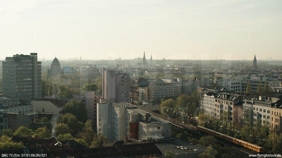 Berlin Hallesches Ufer Tempelhof Skyline Hub morgens 4