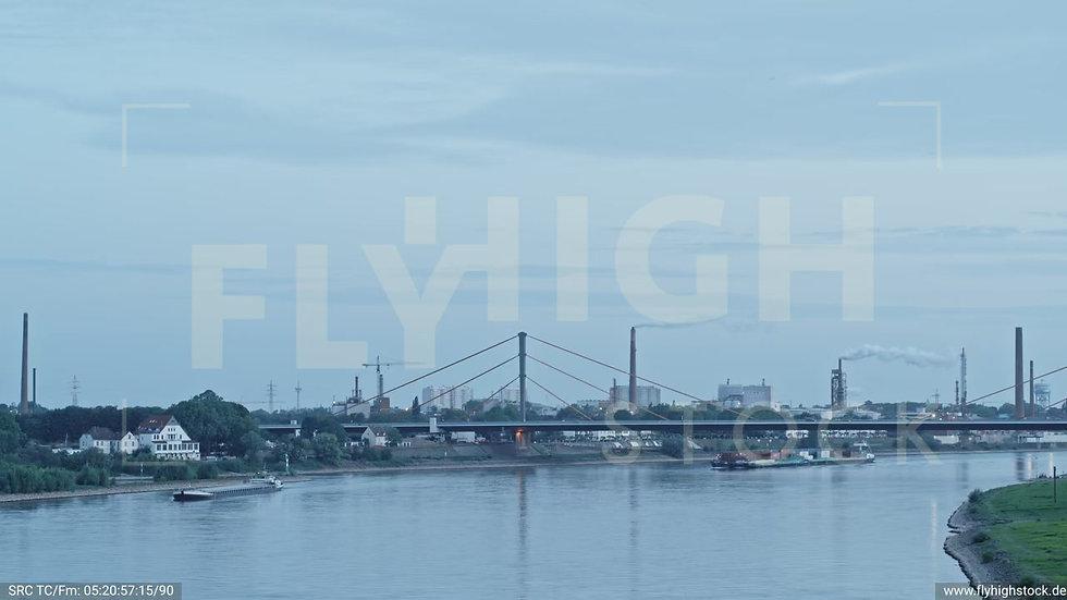 Duisburg Parallelhafen Parallelflug nach oben G018_C019