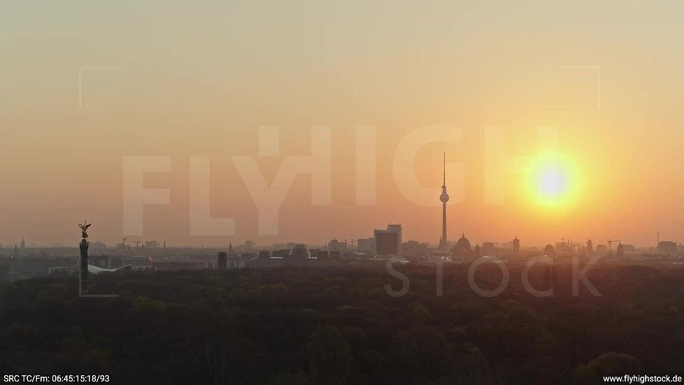 Berlin Tiergarten Skyline Parallelflug morgens 7