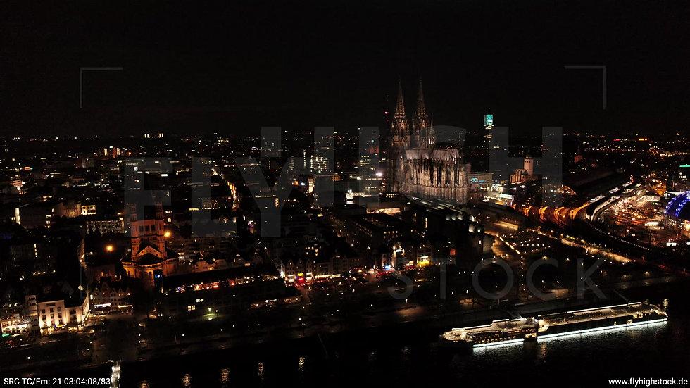 Köln Kennedy-Ufer Skyline Rückflug abends 4