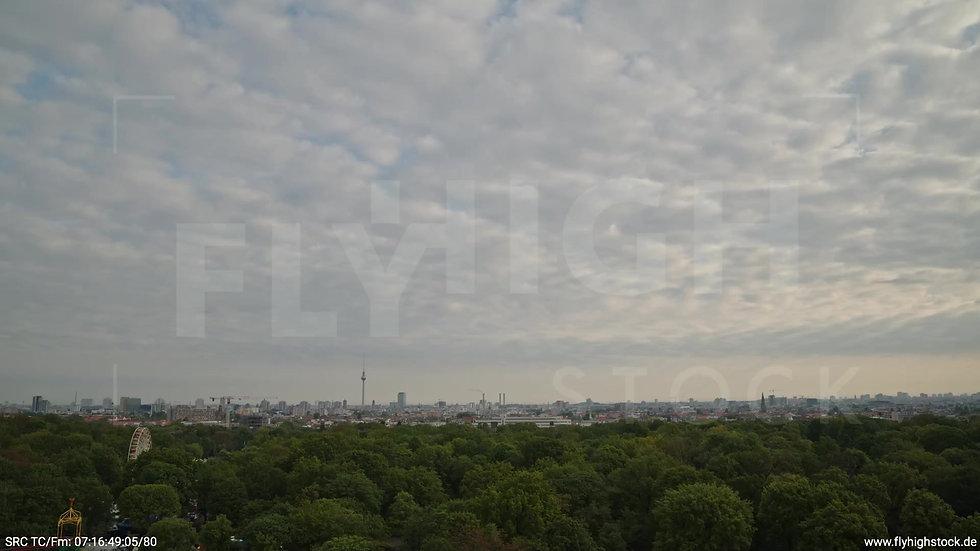 Berlin Hasenheide Skyline Zuflug morgens 13