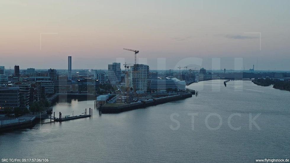 Hamburg Hafen Elbphilharmonie Parallelflug morgens 2