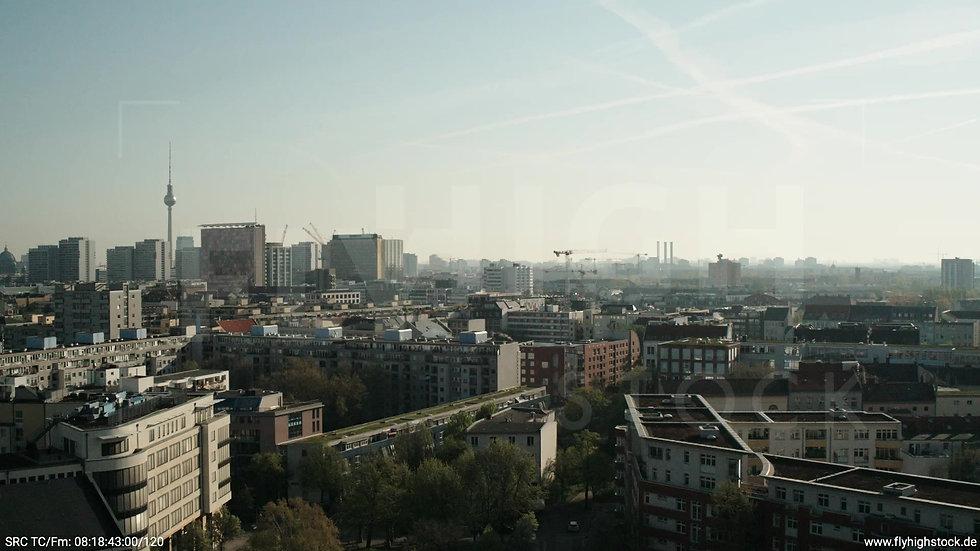 Berlin Hallesches Ufer Ost Skyline Zuflug tagsüber