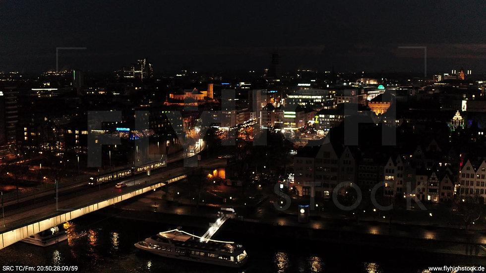 Köln Kennedy-Ufer Skyline Rückflug nach oben abends
