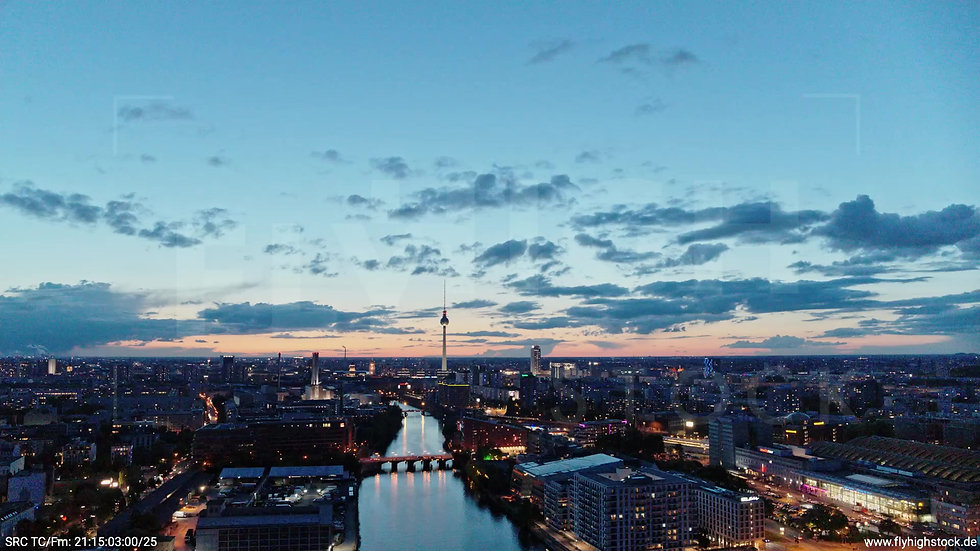 Berlin East Side Gallery Skyline Rückflug abends 4
