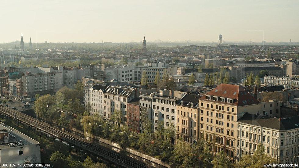 Berlin Hallesches Ufer Tempelhof Skyline Hub morgens 3