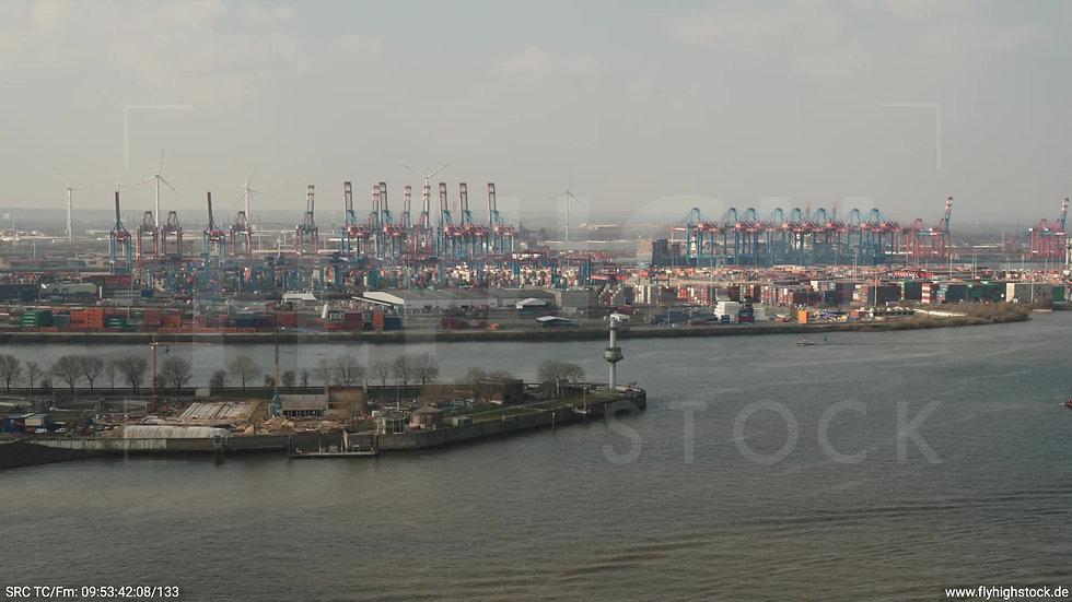 Hamburg Hafen Zuflug Containerterminal tagsüber 3