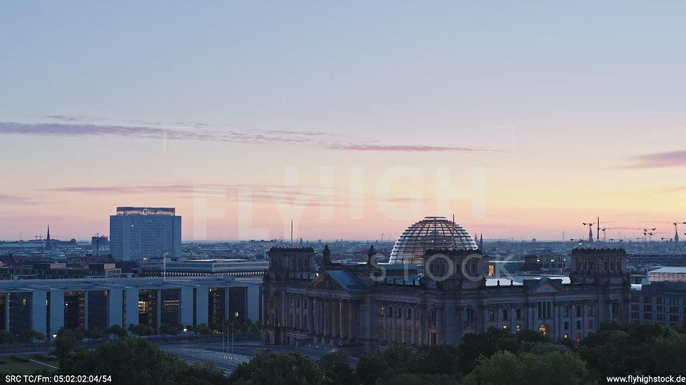 Berlin Tiergarten Reichstag Parallelflug morgens D028_C013