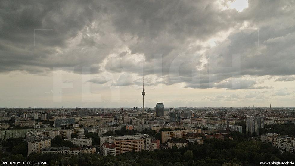 Berlin Volkspark Friedrichshain Alexanderplatz Skyline Hub tagsüber 4