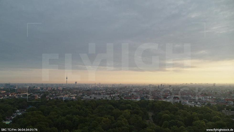 Berlin Hasenheide Skyline Zuflug morgens 9