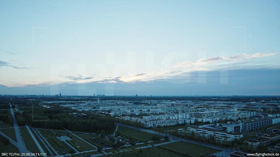 München Riemer Park Skyline Rückflug abends 2